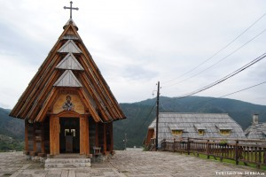 03 - Küstendorf–Drvengrad - Chiesa di San Sava - FAI CLIC PER INGRANDIRE