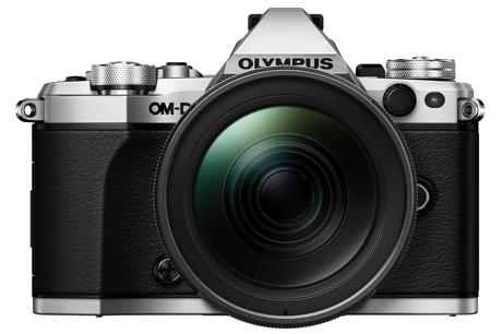 OLYMPUS OM-D E-M5 Mark II + zoom EZ-M 12-40mm PRO