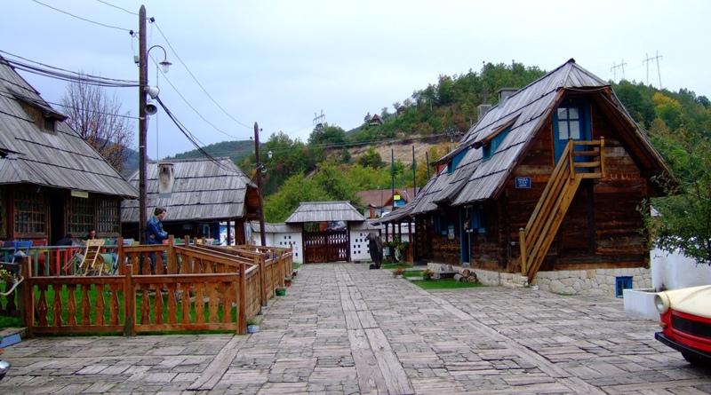 Küstendorf - Drvengrad - Emir Kusturica